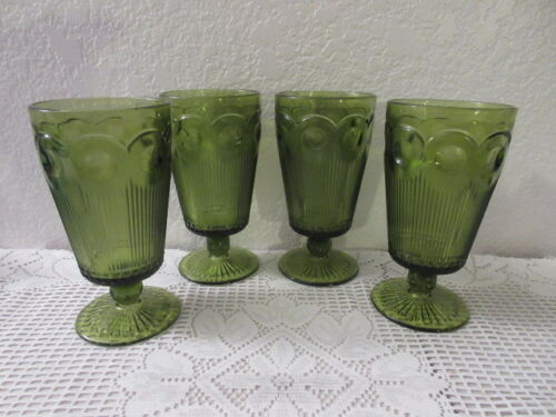 Vintage Green Thumb Nail Stemmed Water Glasses - 4