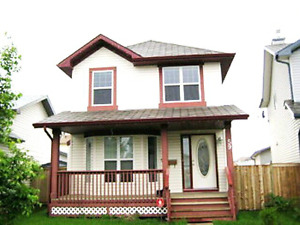 Quiet safe NE, 3bdrm,2.5 bath House (Available from July 1st)