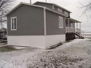 grand maison avec 4 chambre  et 2 sal  de bin