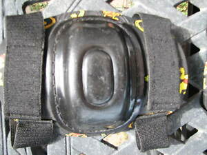 YOUTH KNEE & ELBOW PAD SET PROTECTOR Gatineau Ottawa / Gatineau Area image 3