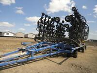2013 NEW HOLLAND/ FLEXI-COIL P2070, 70' PRECISON DRILL, LIKE NEW