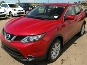 """2018 Nissan Qashqai SV FWD: 17\"""" ALLOY WHEELS, HEATED FRONT SEAT"""