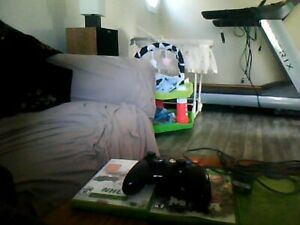 3 xbox 360 games one controller and a charger