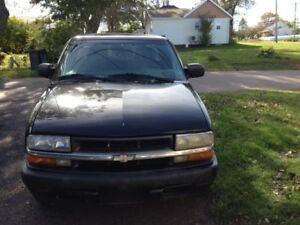 1999 Chevrolet S-10 Ls Pickup Truck