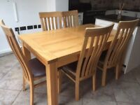 Oak Extendable Dining Table & Chairs