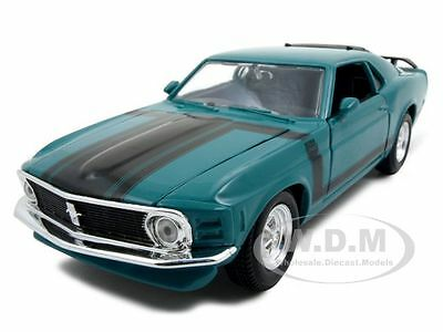 1970 FORD MUSTANG BOSS 302 GREEN 1:24 DIECAST MODEL CAR BY MAISTO (302 Green Car)