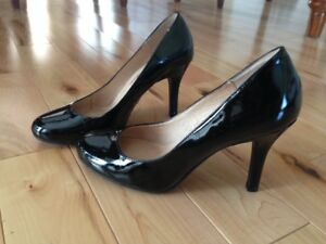 Black patent leather high heels - NEW - size 7.5