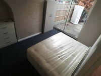 Double Room located in Goodmayes. All Bills included