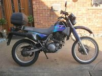 YAMAHA XT 350 CLASSIC TRAIL MOTORCYCLE-1994 MODEL-VGC & MOTed.