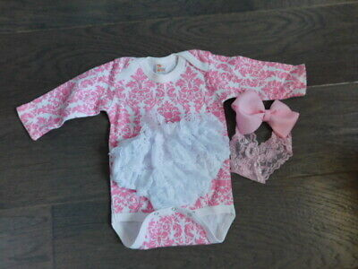 Laughing Giraffe Size 0-3M baby girl 3 Piece Outfit -