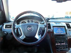 2010 Cadillac Escalade ESV 4x4 Sunroof DVD Leather 8 passenger Edmonton Edmonton Area image 16
