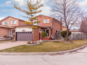AWESOME CITY CENTRE MISSISSAUGA HOUSE FOR SALE