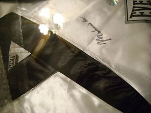 Muhammad Ali signed white Everlast Robe
