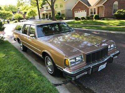 1989 Buick LeSabre Estate Wagon 1989 Buick Estate wagon LeSabre LOW MILES / GARAGE KEPT / RUST FREE/3rd Row seat