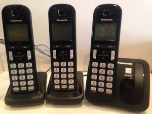 Three-Piece Panasonic Wireless Phone Set