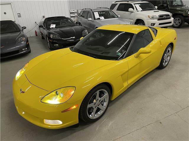 2007 Yellow Chevrolet Corvette Coupe 3LT | C6 Corvette Photo 8