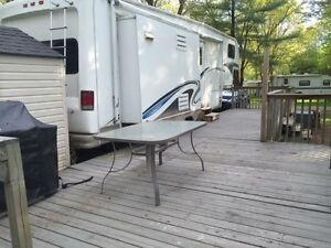Unbelievable Fifth Wheel Trailer and Site