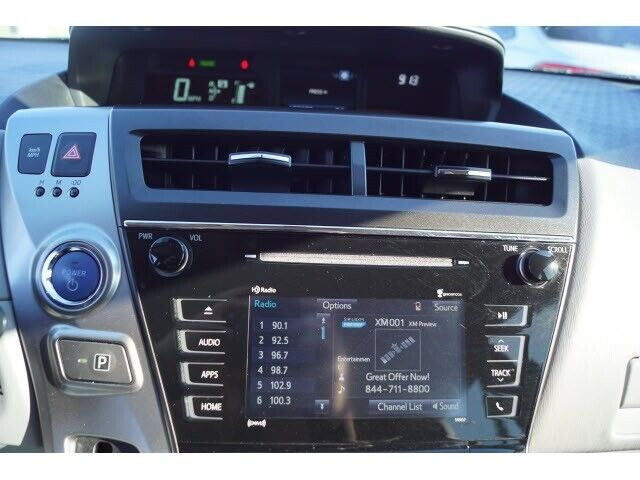 Image 11 Voiture American used Toyota Prius V 2016