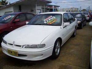 1996 Holden Commodore VS Executive White 4 Speed Automatic Sedan Woodbine Campbelltown Area Preview