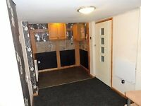 LARGE STUDIO WITH ENSUITE, PRIVATE ENTRANCE, BEAUMONT LEYS, PARKING & FURNISHED
