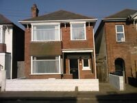 Lovely 4 x double bedroom house with a large study located between Winton & Charminster.