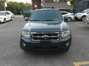 2009 Ford Escape XLT , leather, awd,two year powertrain warranty