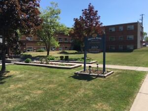 1 BDRM SPACIOUS APT AVAIL JULY 2018!  MOHAWK RD EAST
