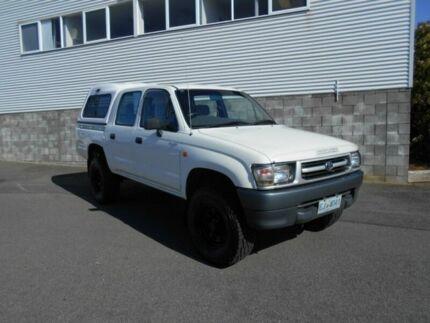 2001 Toyota Hilux RZN169R (4x4) White 5 Speed Manual 4x4 Dual Cab Pick-up Devonport Devonport Area Preview