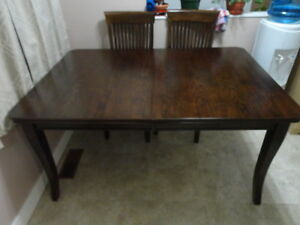 SOLID WOOD DINNING TABLE LEAF CHAIRS