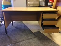 Office desk with 3 lockable drawers