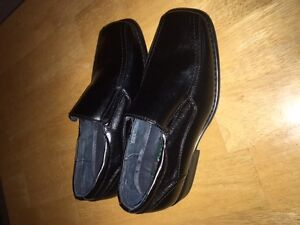 Size 3 boys leather shoes never worn