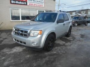 FORD ESCAPE AWD XLT 2011 ** 8 ROUE ET PNEUS **