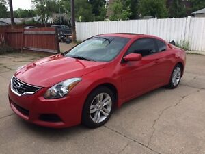 2011 Nissan Altima Coupe 2.5 S - Great Condition