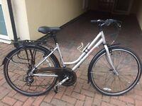 Ladies hybrid Raleigh Pioneer 3 bike (Grey)