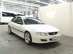 2004 Holden Commodore VZ Executive White 4 Speed Automatic Sedan Beresfield Newcastle Area Preview