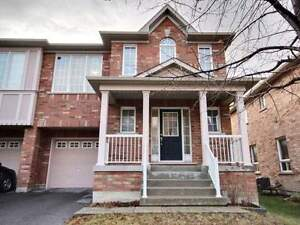 BRIGHT & SPACIOUS HOUSE FOR RENT IN NEWMARKET - $2000!!!