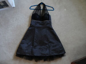 """PROM / GRAD BLACK DRESS WITH WHITE NEW SIZE 10"""