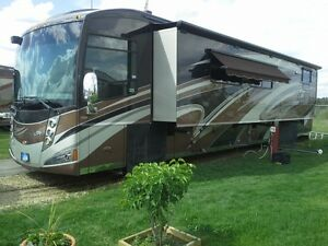 Luxury 42 ft.Winnebago Tour QD !