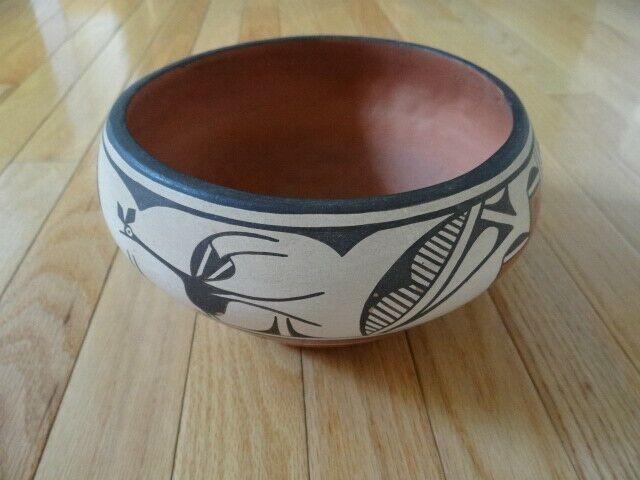 Fine Vintage Native American Zia Pottery Bowl By Liz Toya / Elizabeth Medina