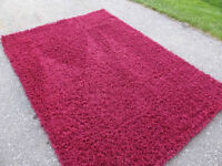 Lovely red shag carpet approx. 5 x 7 ft