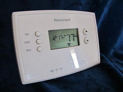 1 Honeywell RTH 221 B Digital 1 week  Programmable Thermostat .