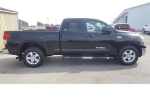 Priced right & ready to roll 2007 Toyota Tundra SR5 Pickup Truck