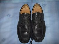 Mens casual size 9 shoes, have been worn but in good condition.