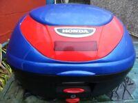 Honda backbox, in blue, very good condition.