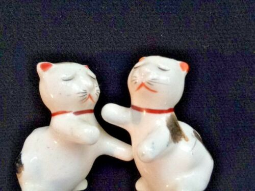 PLAYFUL KITTENS  CATS SALT & PEPPER SHAKERS JAPAN