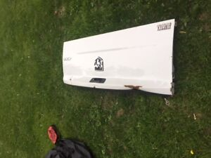 Tail gate from a 2012 Dodge Ram 1500