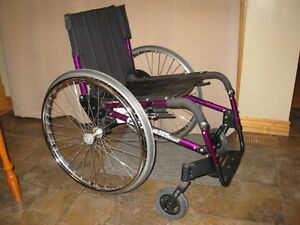 QUICKIE REVOLUTION SPORT WHEELCHAIR