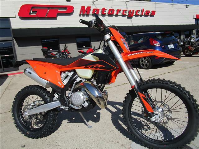 Picture of A 2020 KTM 150 XC-W TPI
