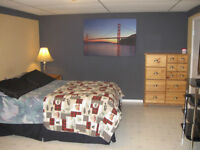 3 FURNISHED ROOMS WEEKLY,BI WEEKLY, MONTHLY