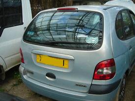scenic tailgate window 1.4 16v breaking for parts in Gatwick